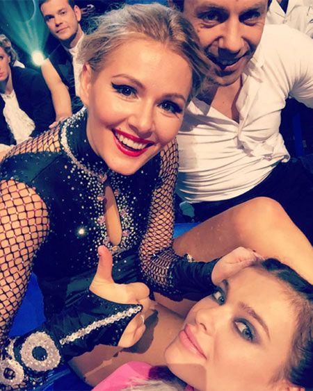 Звезда Универа Мария Кожевникова и Лена Темникова в гримерной первого канала. Съемки шоу без страховки.