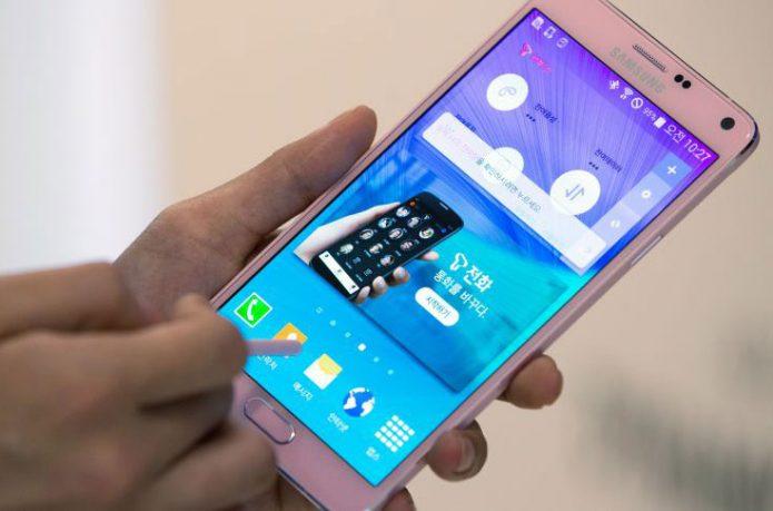 Samsung перестала быть лидером на российском рынке смартфонов