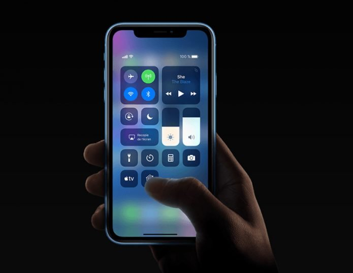 iPhone XR дисплей