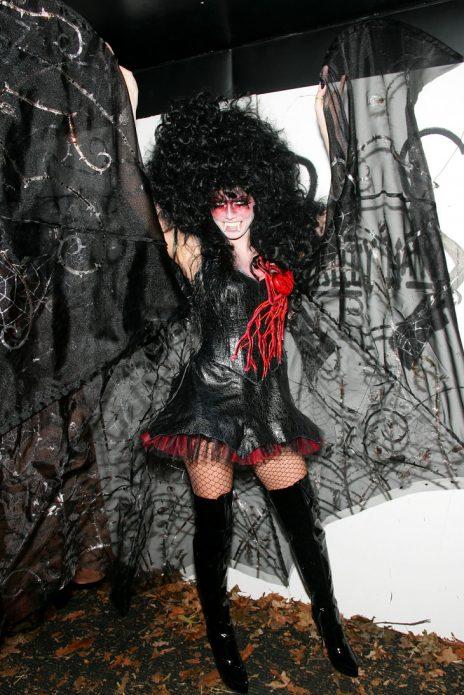 лучшие костюмы звезд на хэллоуин