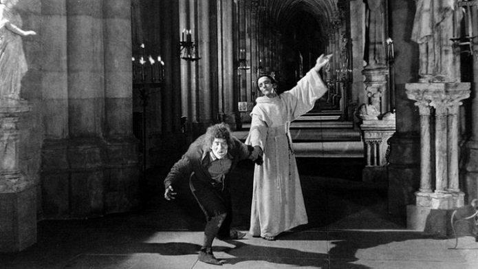 собор парижской богоматери в кино