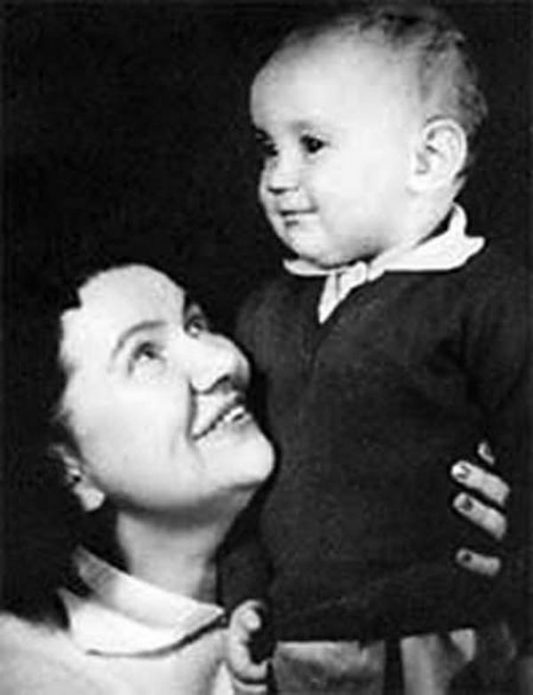 Нина Сазонова с сыном Михаилом