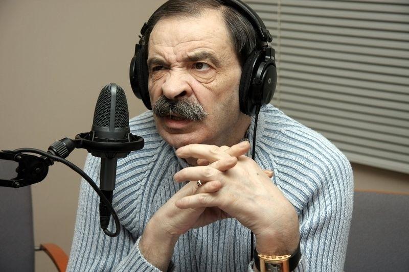 Илья Олейников