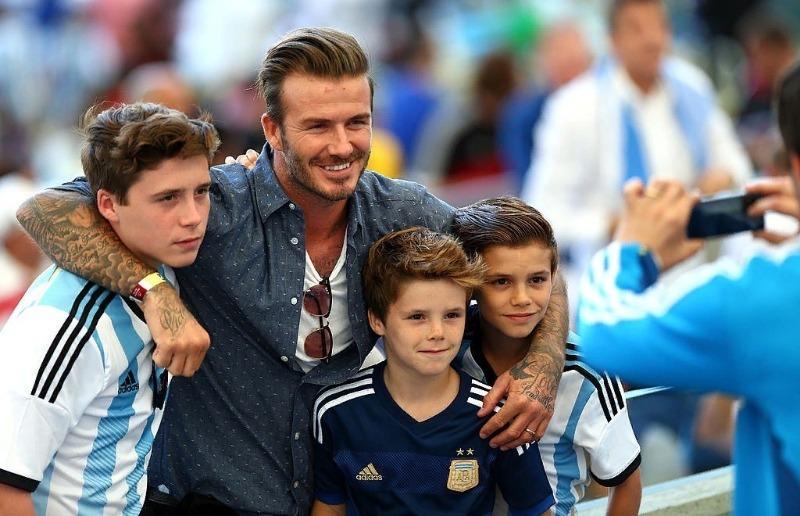 Дэвид Бэкхем с детьми
